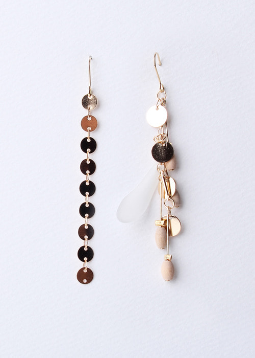 Powder Unbalance Earrings