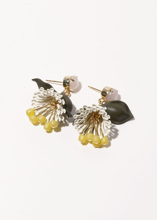 Tiara Bloom Earrings